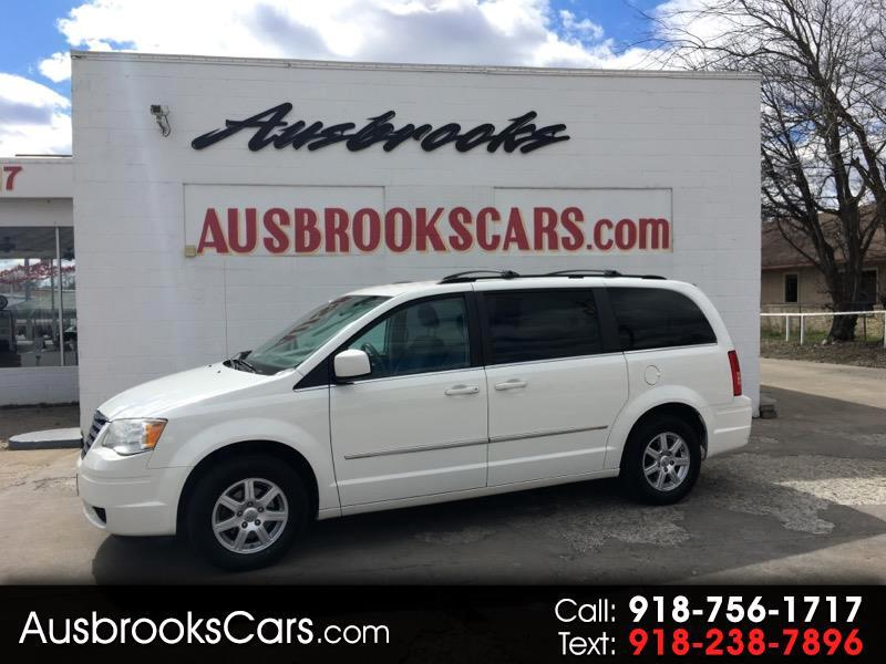 Chrysler Town and Country Touring 2010