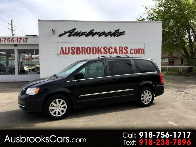 2015 Chrysler Town & Country 4dr FWD