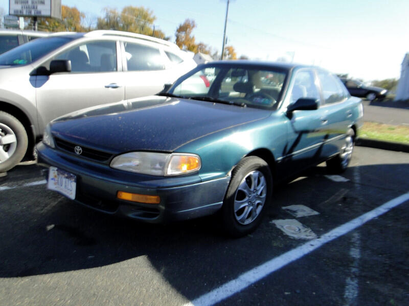Toyota Camry LE V6 1996