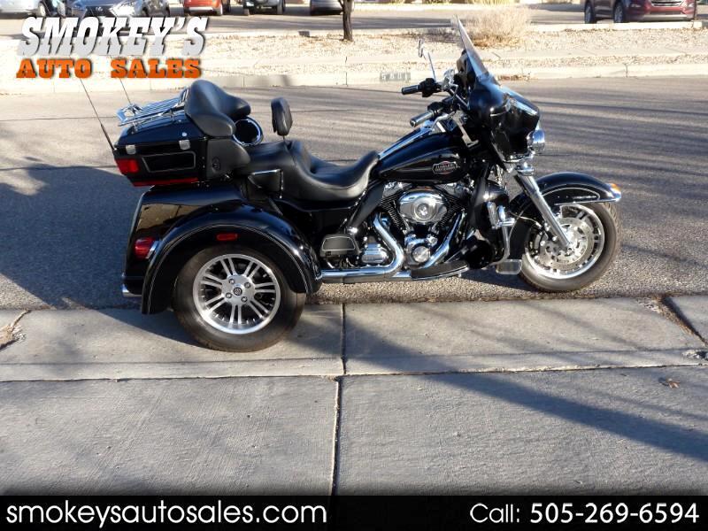 2013 Harley-Davidson FLHTCUTG Harley Triglide