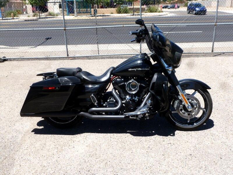 Harley-Davidson FLHXSE  2017