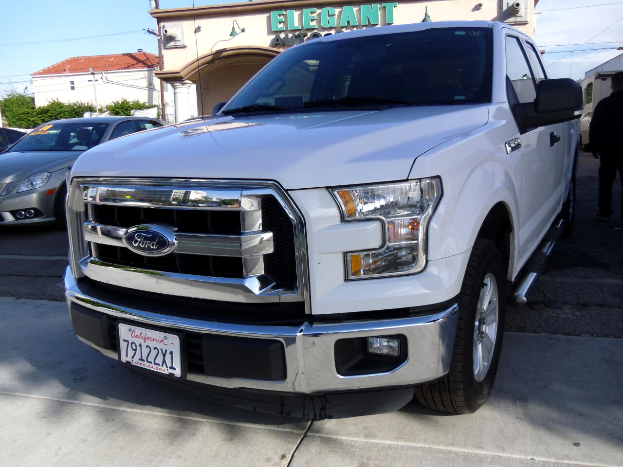 "Ford F-150 2WD SuperCab 145"" Lariat 2015"