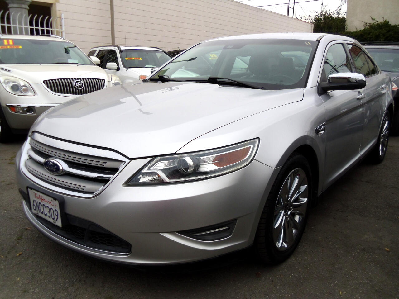 Ford Taurus 4dr Sdn Limited FWD 2010