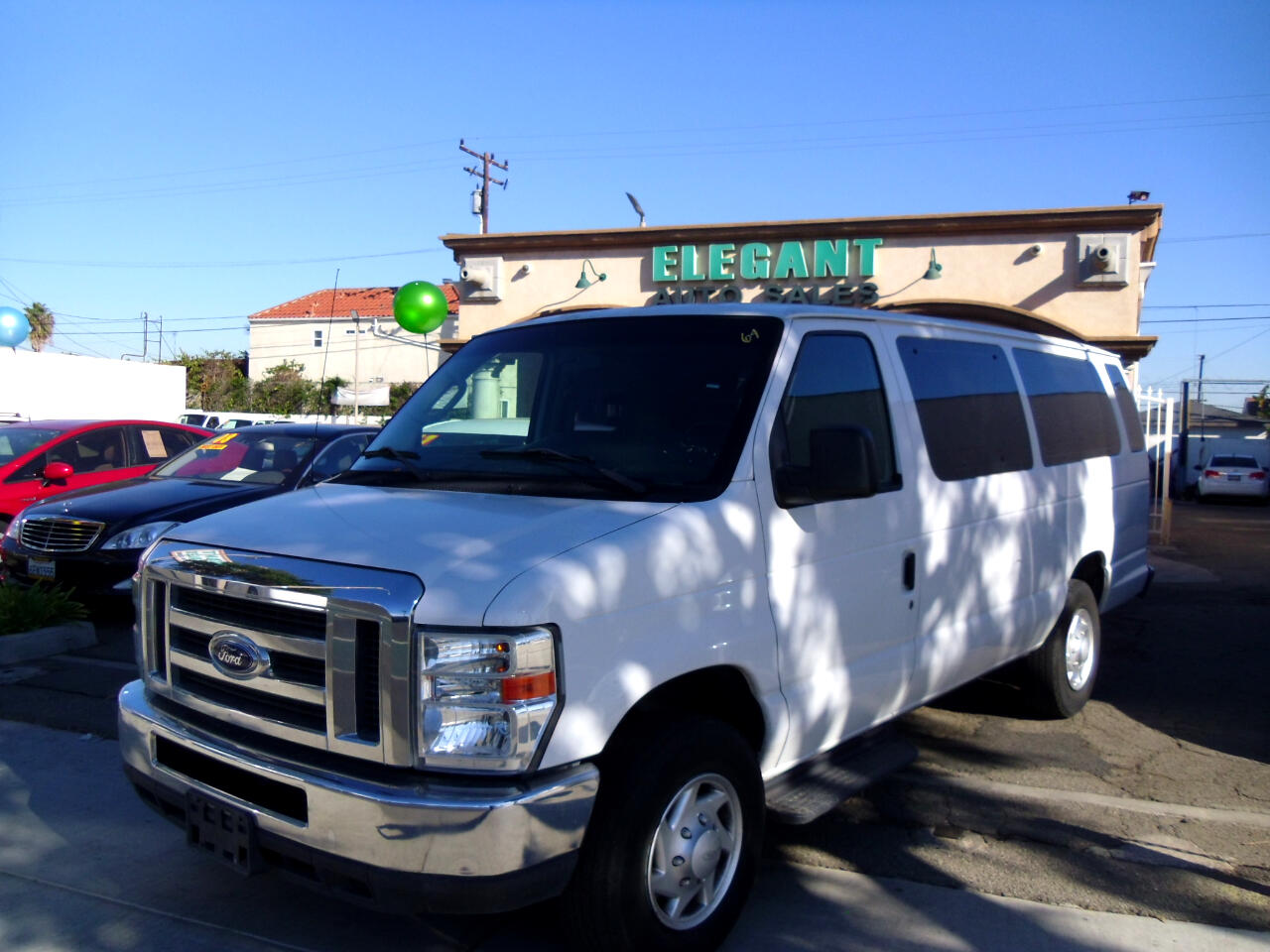 Ford Econoline Wagon E-350 Super Duty Ext XLT 2012