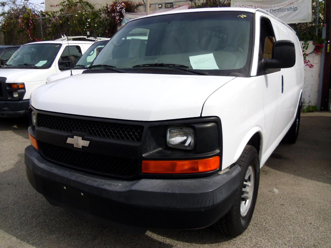 """Chevrolet Express Cargo Van RWD 2500 135"""" 2009"""