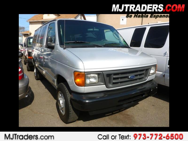 Ford Econoline E-350 XL Super Duty 2005