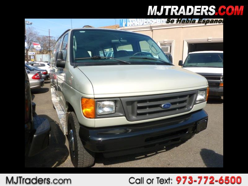 2006 Ford Econoline E-350 Chateau Super Duty