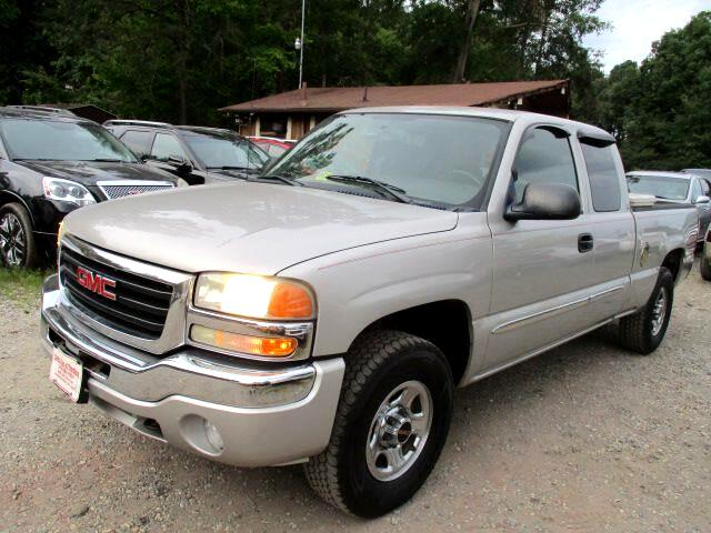2004 GMC Sierra 1500 Work Truck Ext. Cab Short Bed 4WD