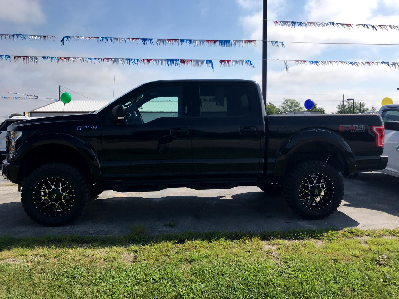 2016 Ford F-150 XLT SuperCrew FX4 4WD - LIFTED SUSPENSION