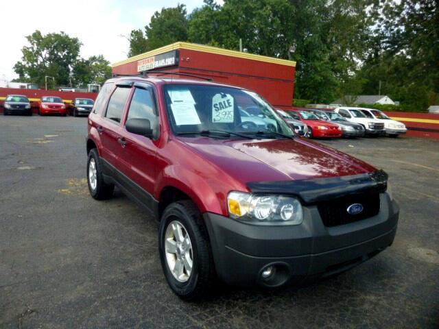 used 2005 ford escape xlt 4wd for sale in detroit mi 48213 redskin auto sales. Black Bedroom Furniture Sets. Home Design Ideas