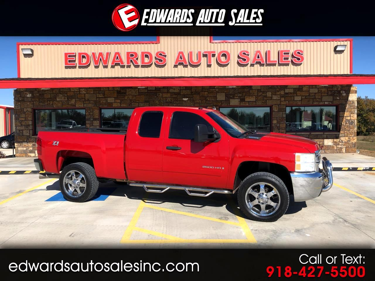"""2008 Chevrolet Silverado 2500HD 4WD Ext Cab 143.5"""" LT w/1LT"""