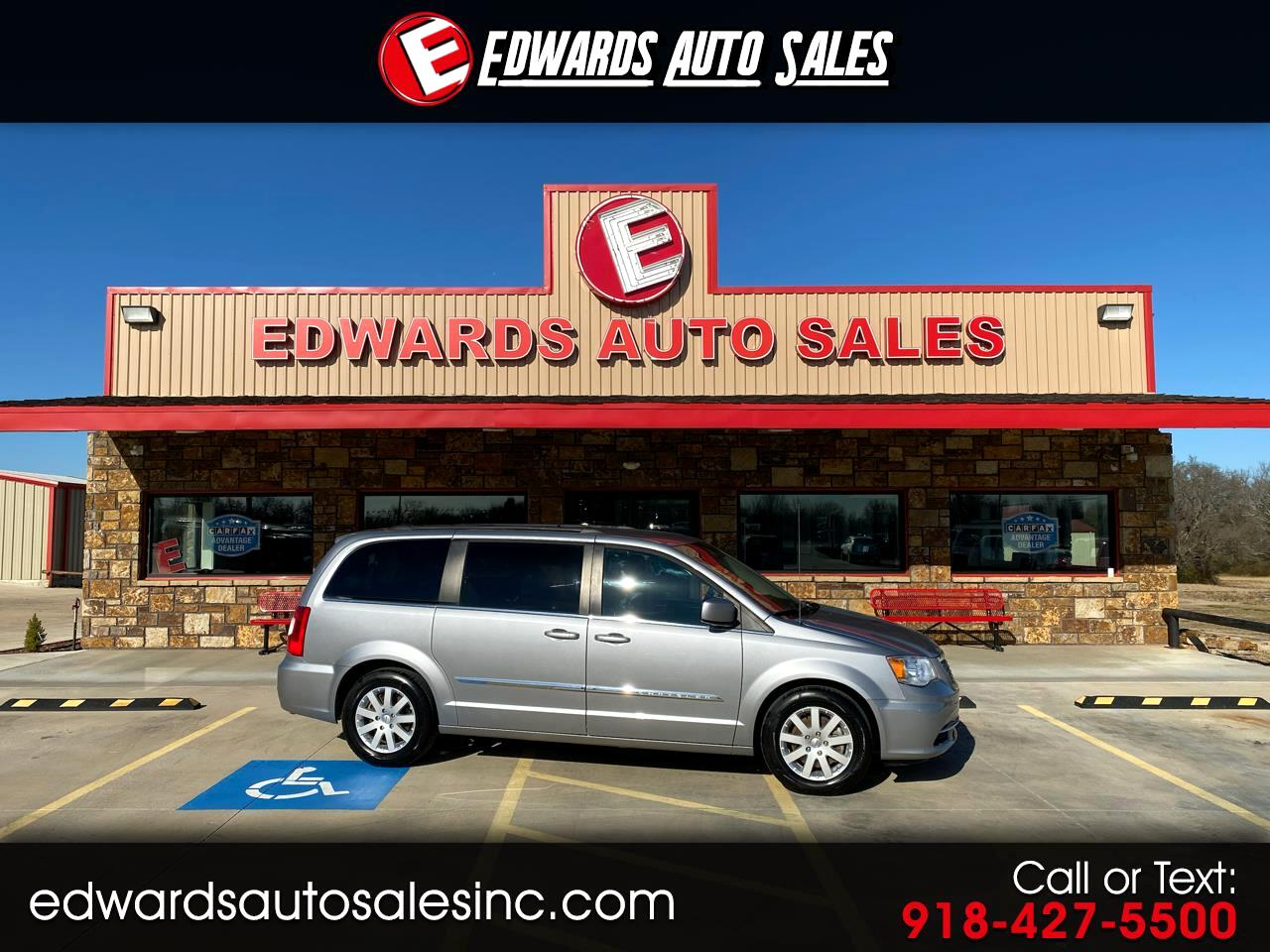 Chrysler Town & Country 4dr Touring FWD 2015
