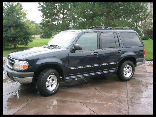 2000 Ford Explorer Limited 4WD
