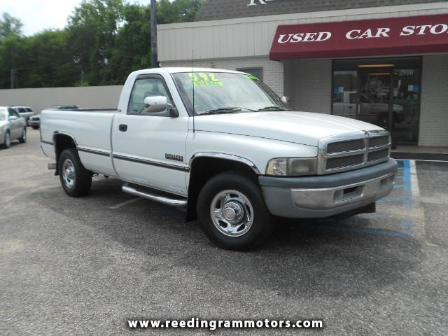 1995 Dodge Ram 2500 SLT HD REG. CAB 8FT BED 2WD