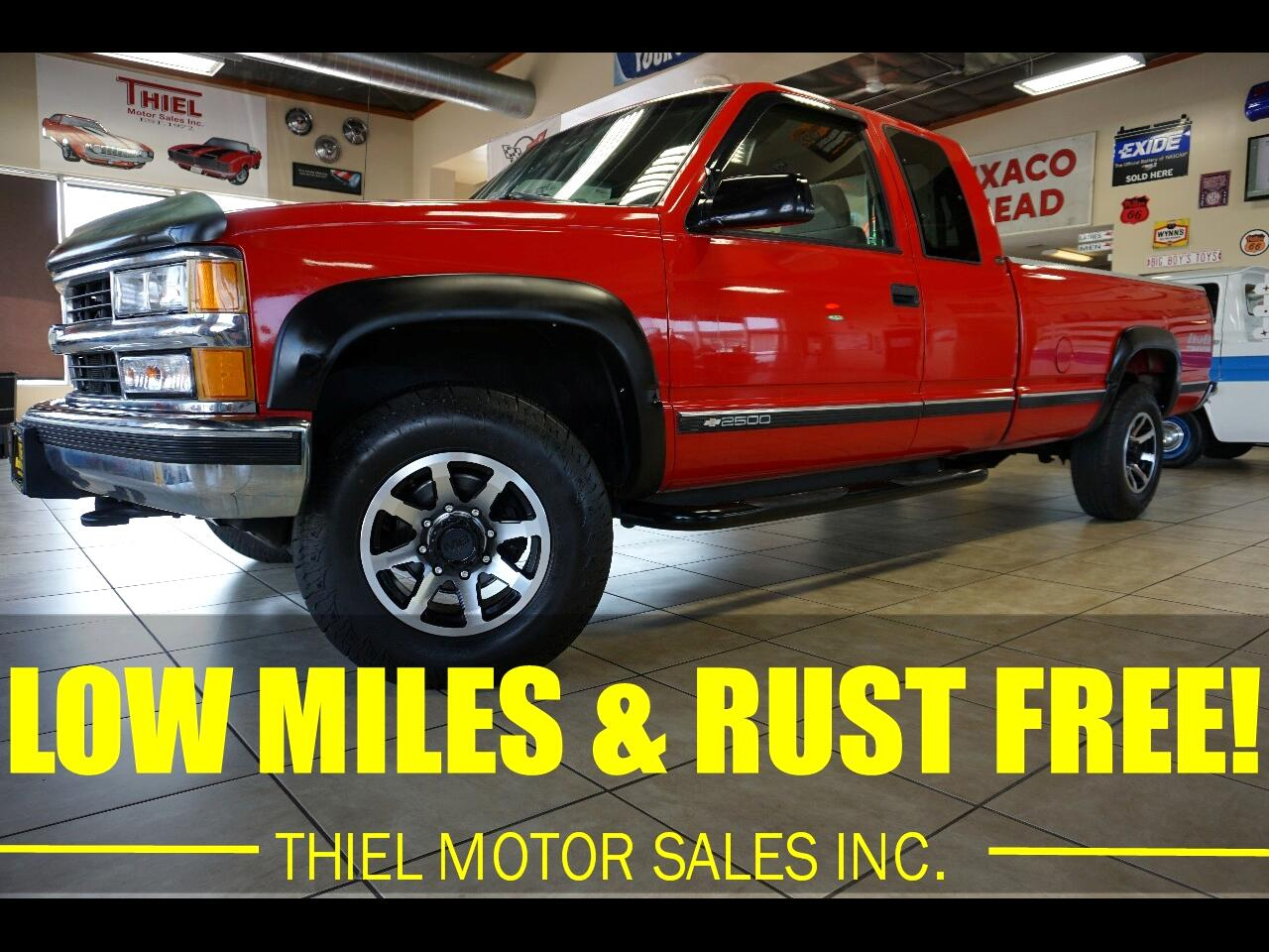Chevrolet C/K 2500 Ext. Cab 6.5-ft. Bed 4WD 1995