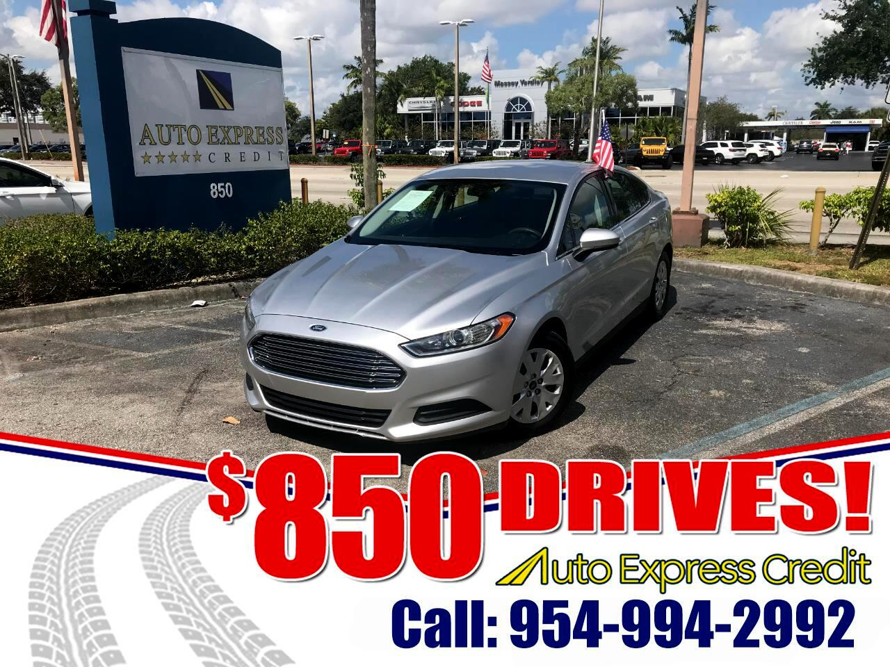 Ford Fusion S 2013