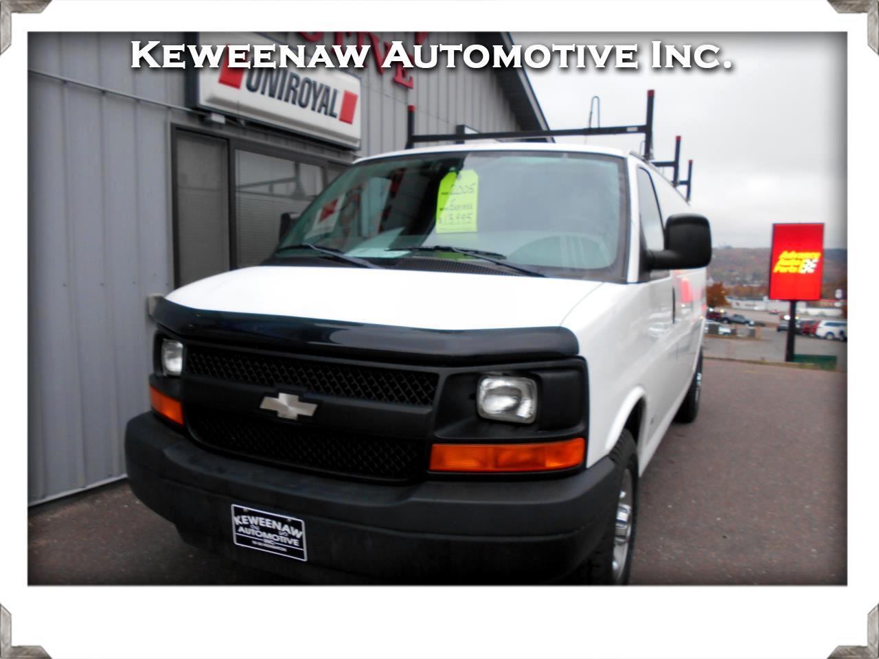 2005 Chevrolet Express Cargo Van G2500