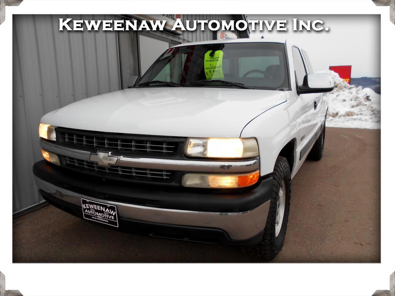 "Chevrolet Silverado 1500 Ext Cab 143.5"" WB 4WD LT 2002"