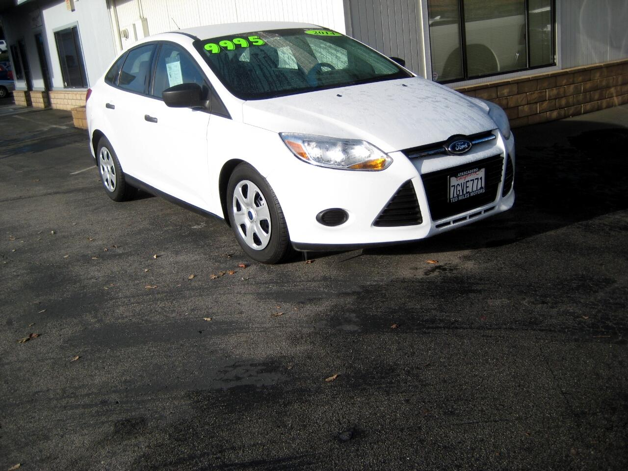2014 Ford Focus 4dr Sdn S
