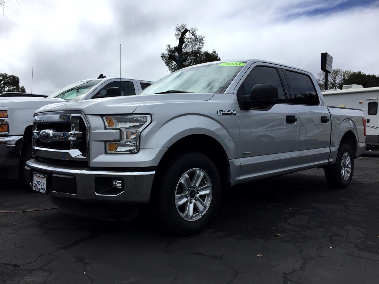 "Ford F-150 2WD SuperCrew 145"" XLT 2016"