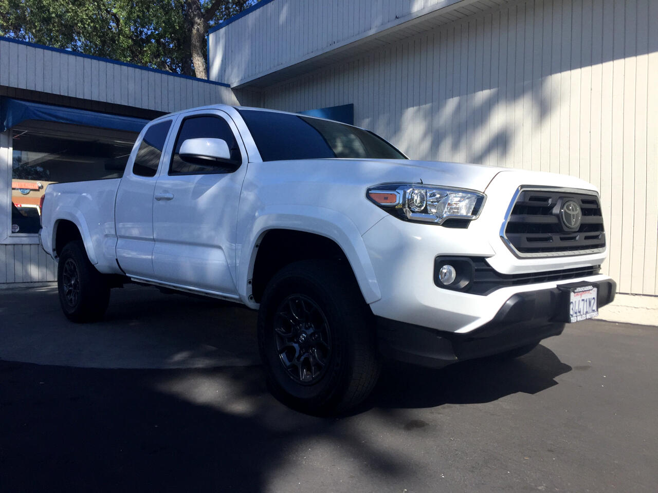 Toyota Tacoma TRD Sport Access Cab 6' Bed V6 4x2 AT (Natl) 2018