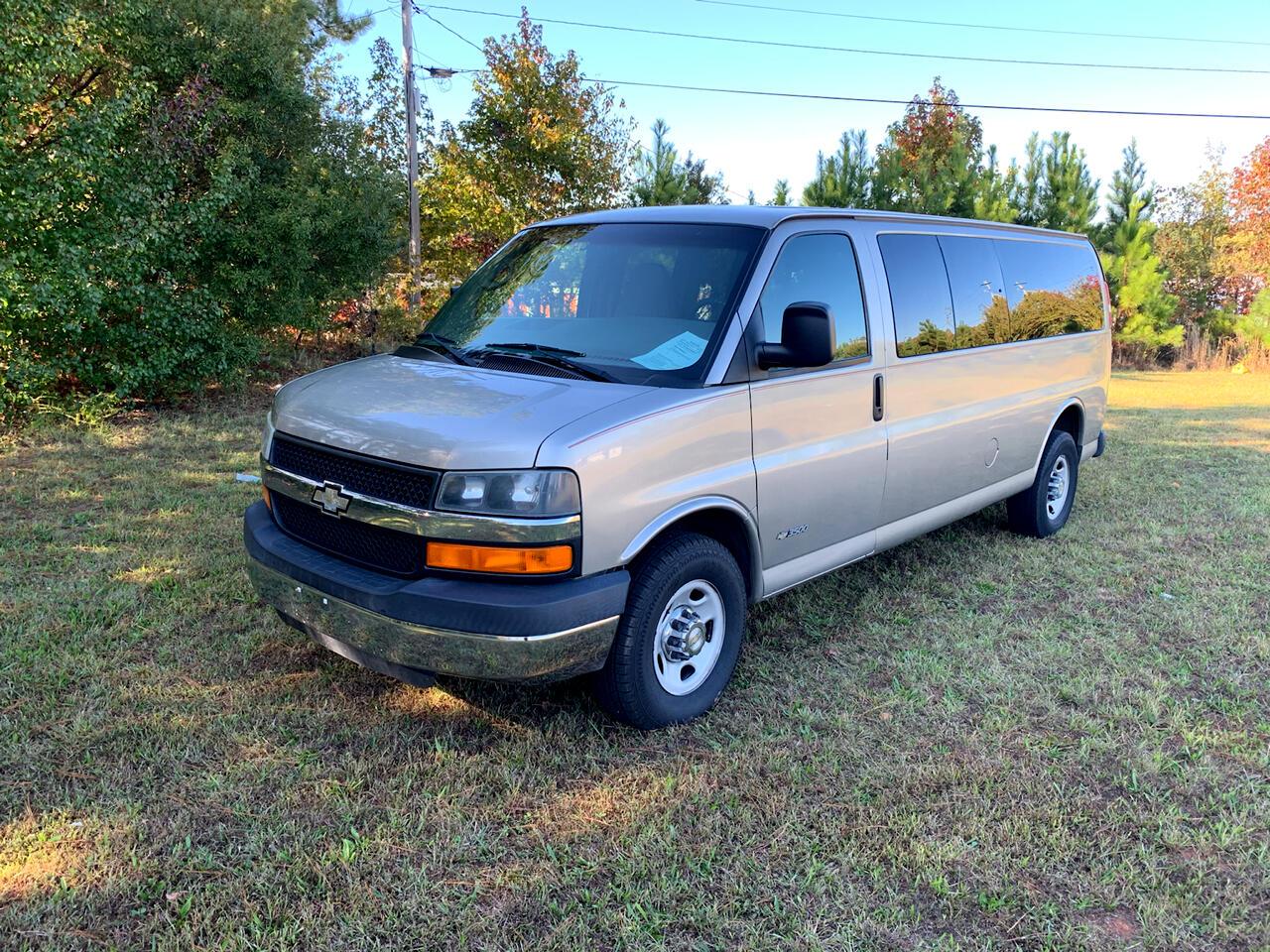 2004 Chevrolet Express Passenger 3500 155