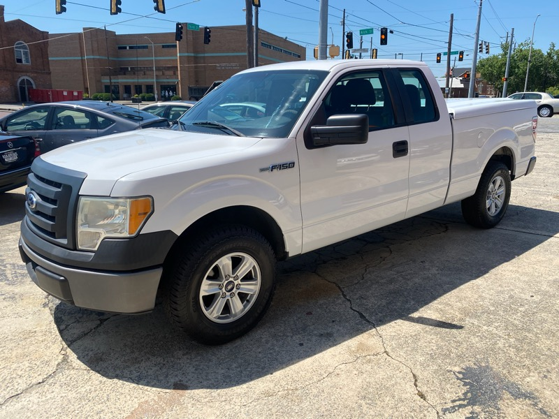 Ford F-150 XLT SuperCab 8-ft. Bed 2WD 2010