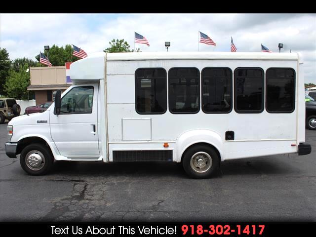 2008 Ford Econoline E-350 SD Goshen Coach Bus w/ Wheelchair Lift