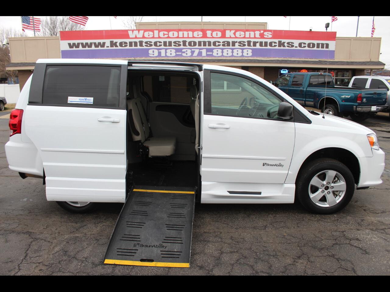 2014 Dodge Grand Caravan SE BraunAbility Wheelchair Van