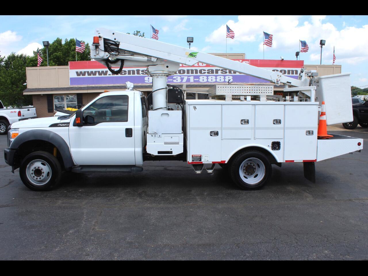 2011 Ford F-550 XL Regular Cab 2WD DRW Bucket Truck
