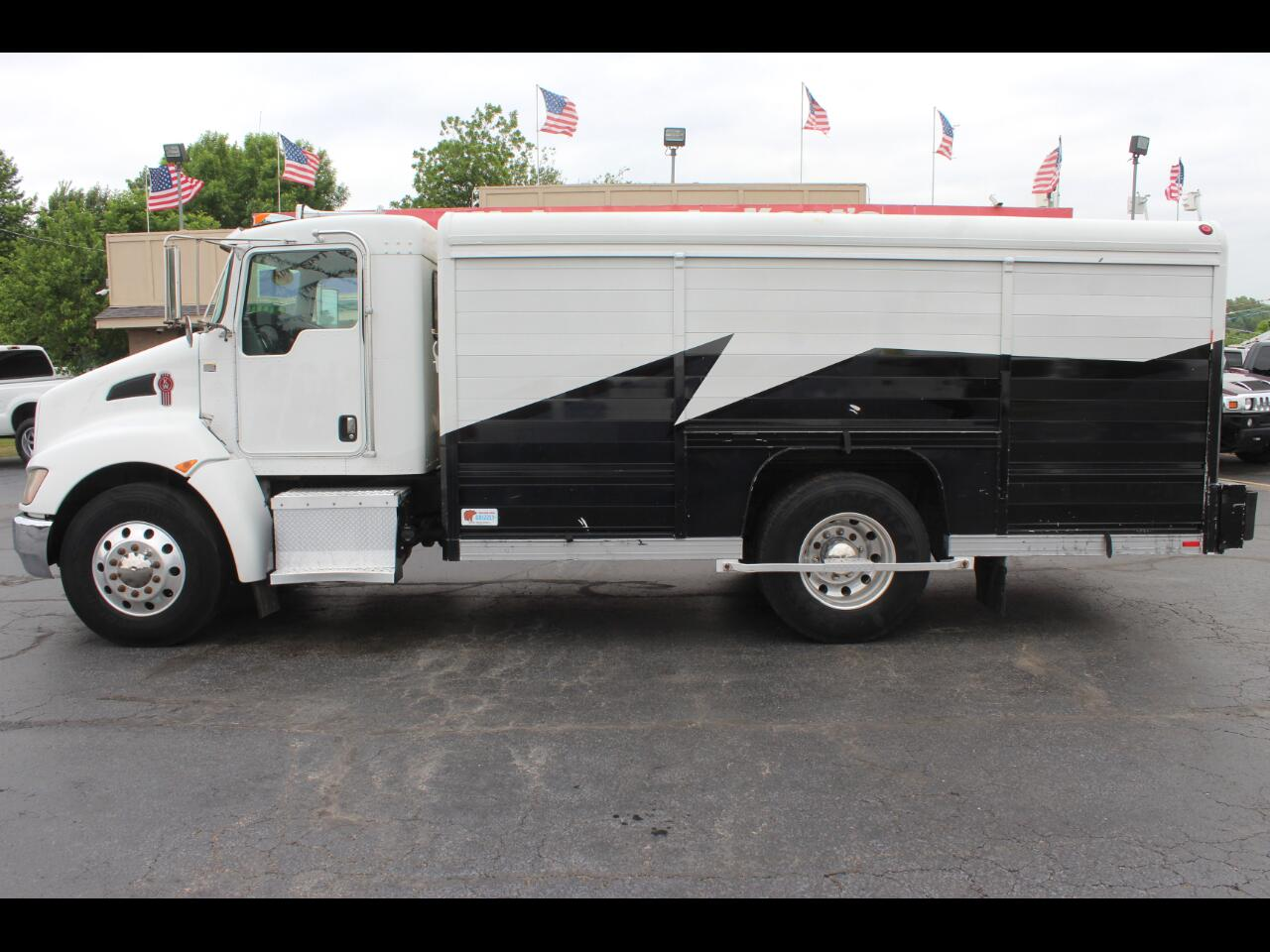 2009 Kenworth T270/T300 Standard Cab Delivery Truck