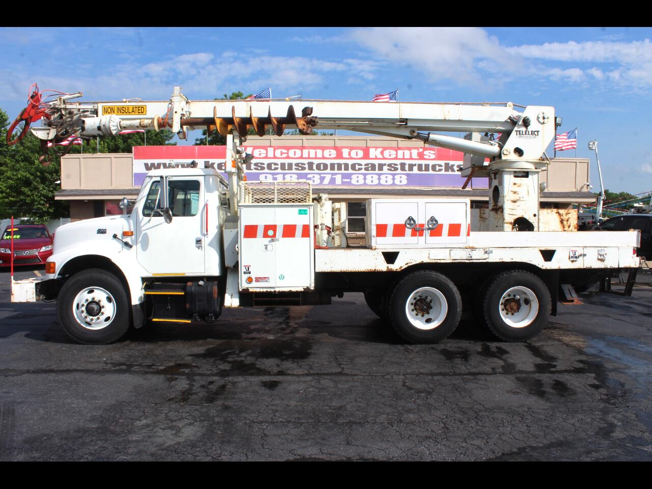 2002 International 4900 Standard Cab Digger Derrick