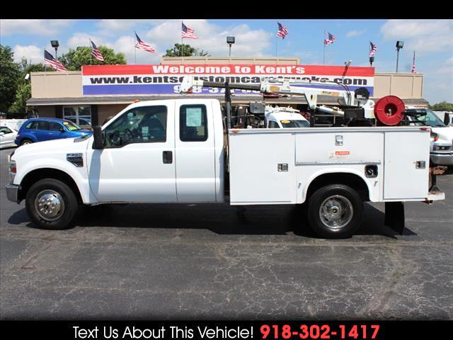 2009 Ford F-350 SD XL SuperCab DRW 2WD Crane Body Long Bed