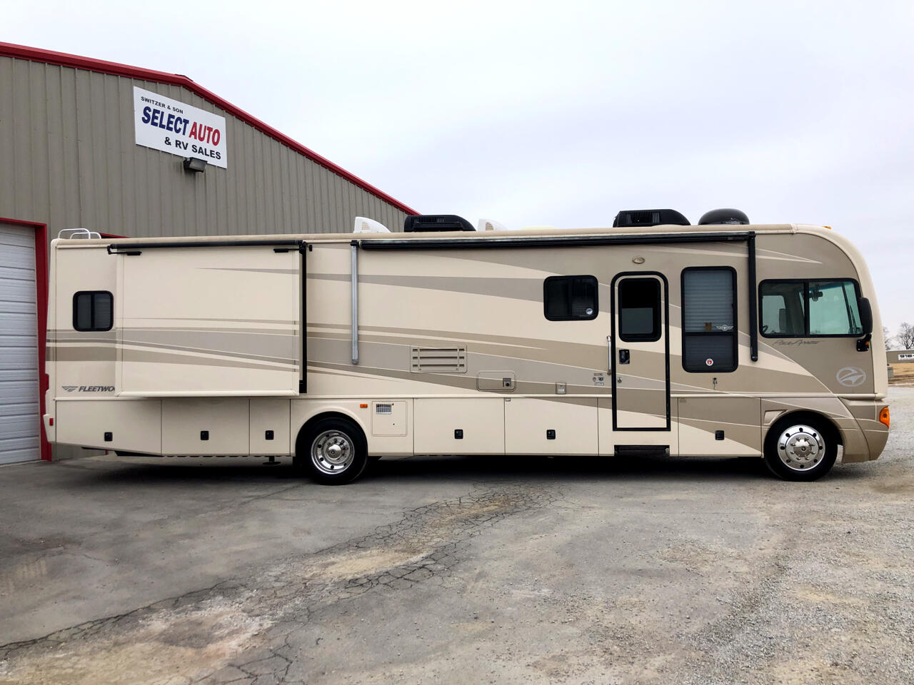 2006 Fleetwood Pace Arrow 38L