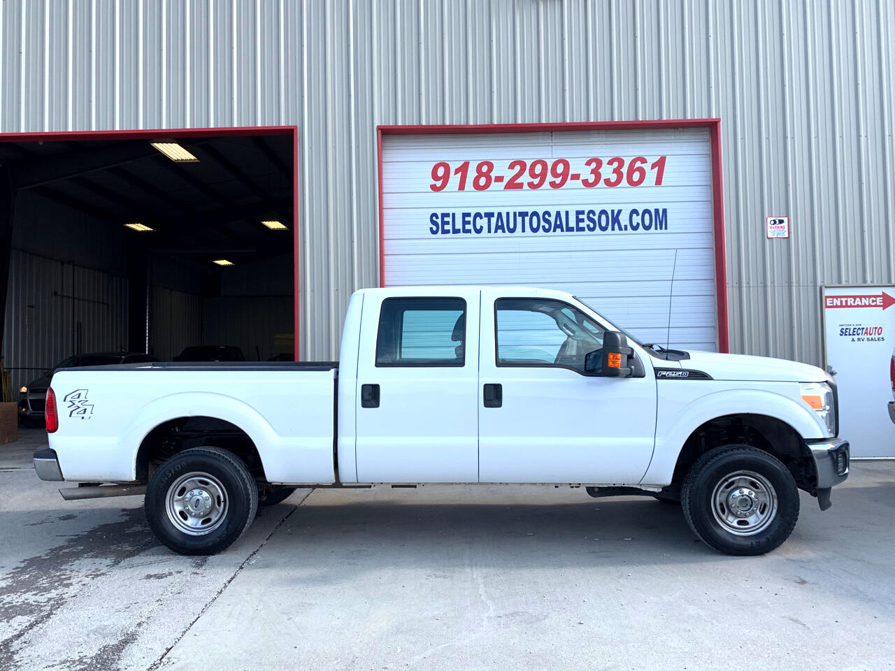 "2011 Ford Super Duty F-250 SRW 4WD Crew Cab 156"" XL"