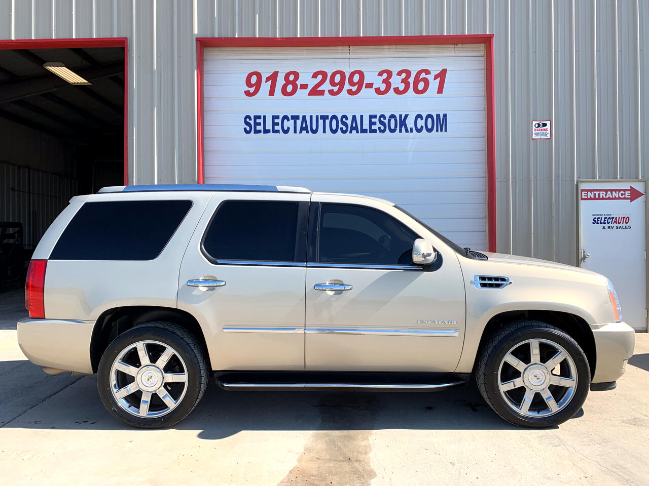 2010 Cadillac Escalade AWD 4dr Luxury