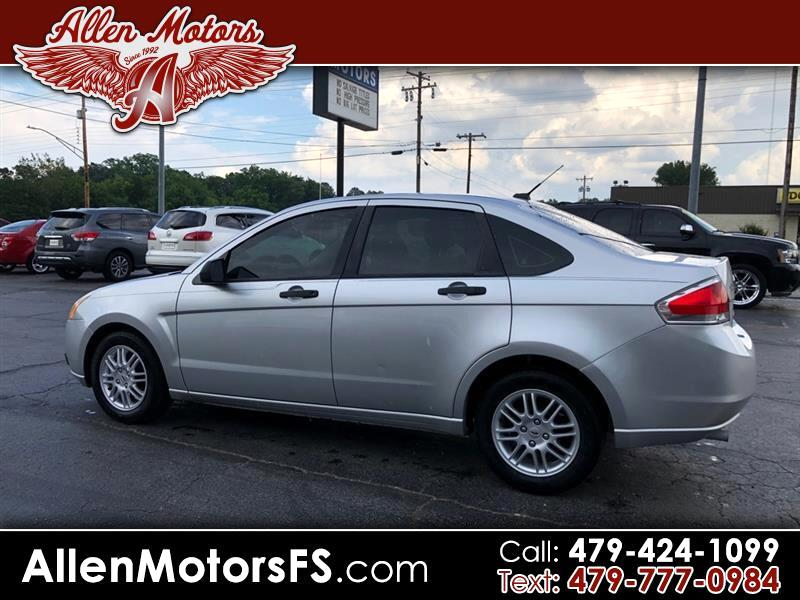 Ford Focus 4dr Sdn SE 2011