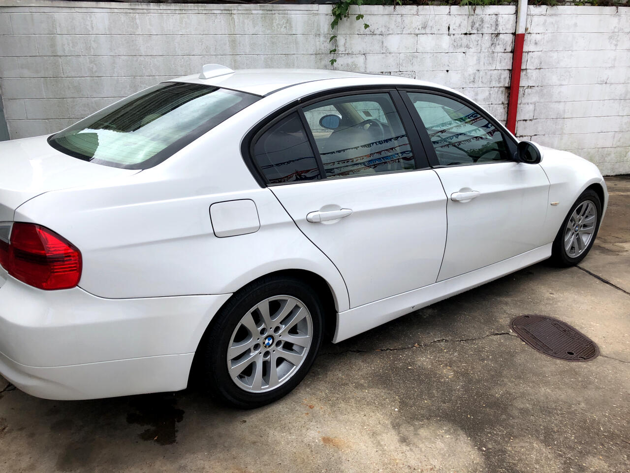 BMW 3 Series 325i 4dr Sdn RWD 2006