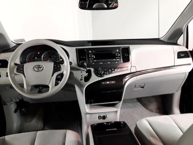 2014 Toyota Sienna LE FWD 8-Passenger V6