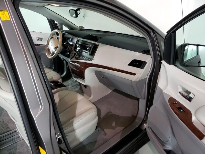 2011 Toyota Sienna XLE FWD 8-Passenger V6