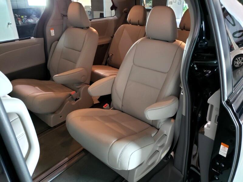 2016 Toyota Sienna XLE 7-Passenger AWD
