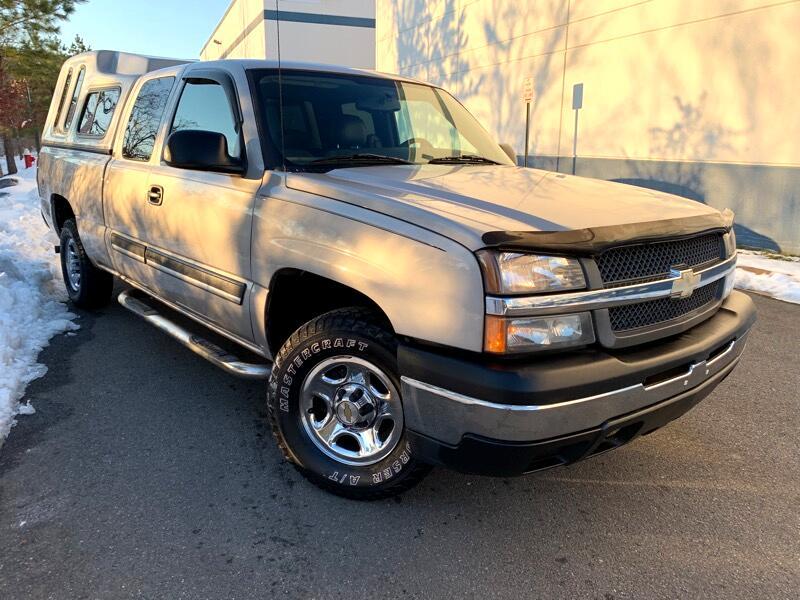 2004 Chevrolet Silverado 1500 Ext. Cab Short Bed 4WD