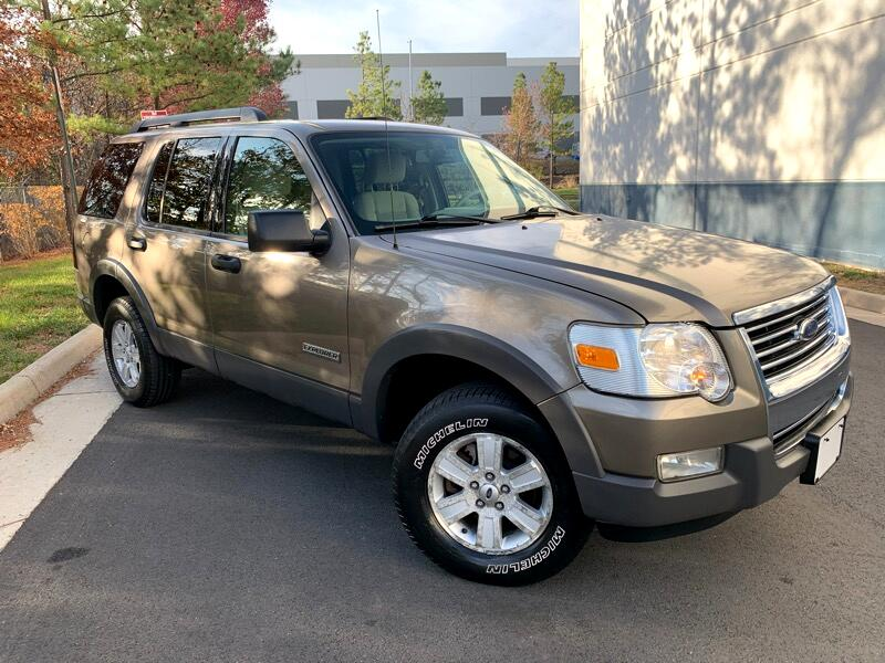 Ford Explorer XLT AWD 2006