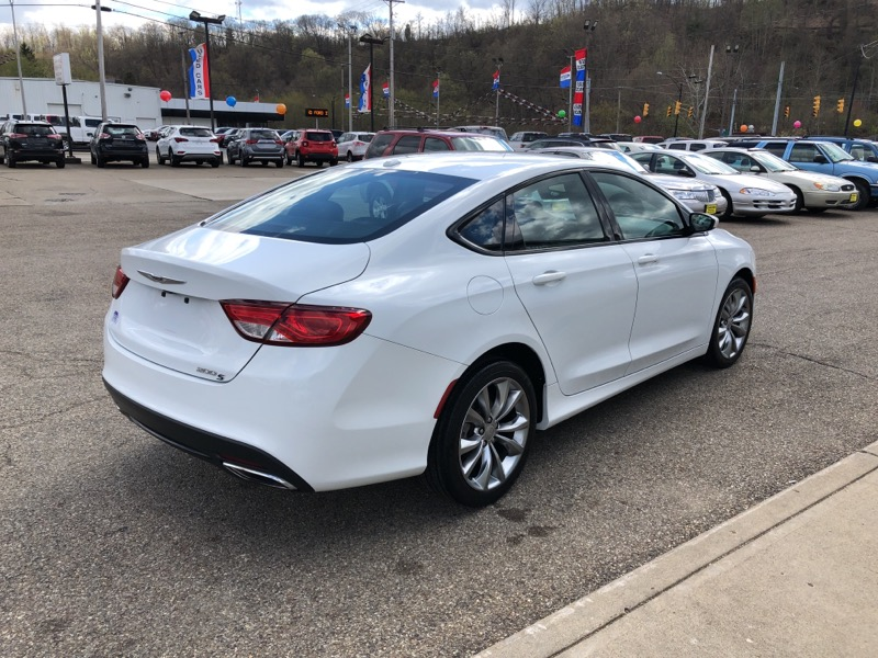 Used 2016 Chrysler 200 4dr Sdn S Fwd For Sale In Cambridge