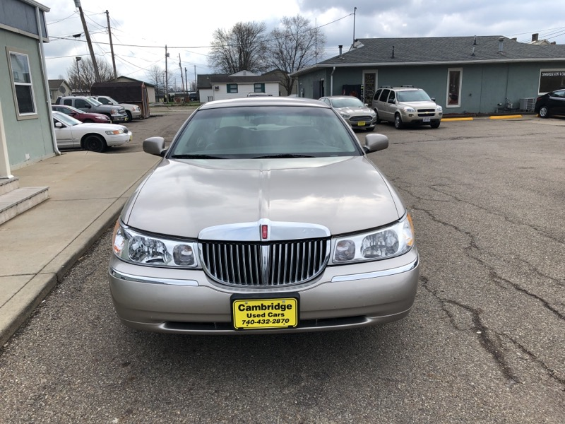 1999 Lincoln Town Car 4dr Sdn Executive