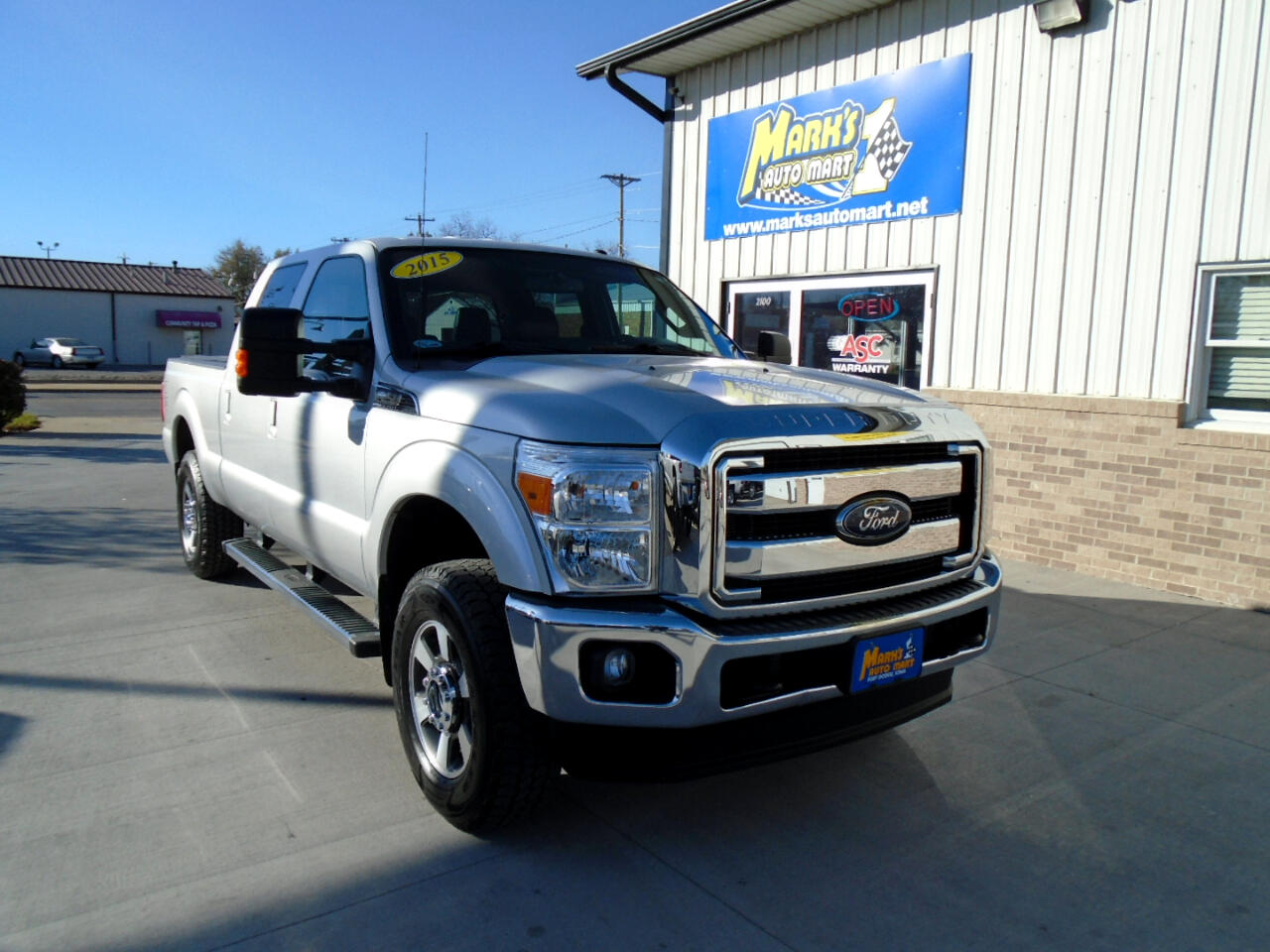Ford Super Duty F-250 SRW Lariat 4WD Crew Cab 6.75' Box 2015