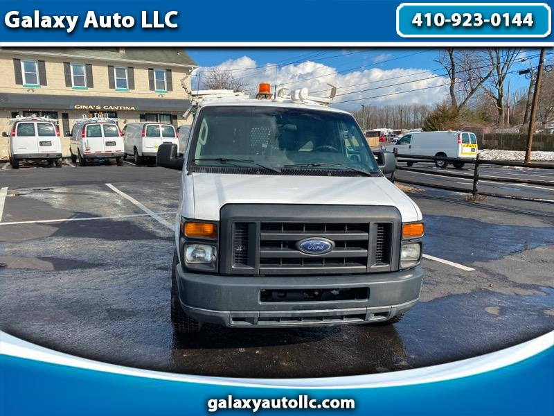 Ford E-350 Super Duty  2010