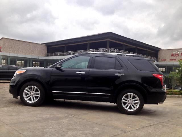 Ford Explorer XLT FWD 2012