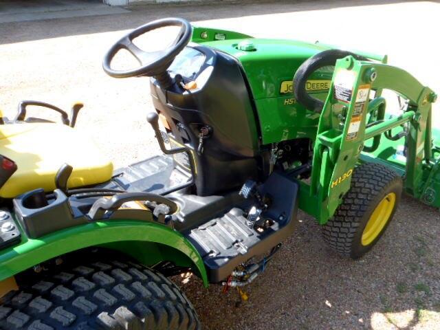 2016 John Deere Tractor 2025R