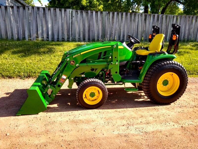 2018 John Deere Tractor 3033r